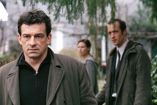 Der Elefant - Mord verjährt nie - Steiner (Thomas Sarbacher, l.) begegnet Kat...