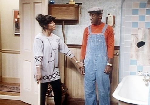 Bill Cosby Show - Clair (Phylicia Rashad, l.) verhindert, dass Cliff (Bill Co...