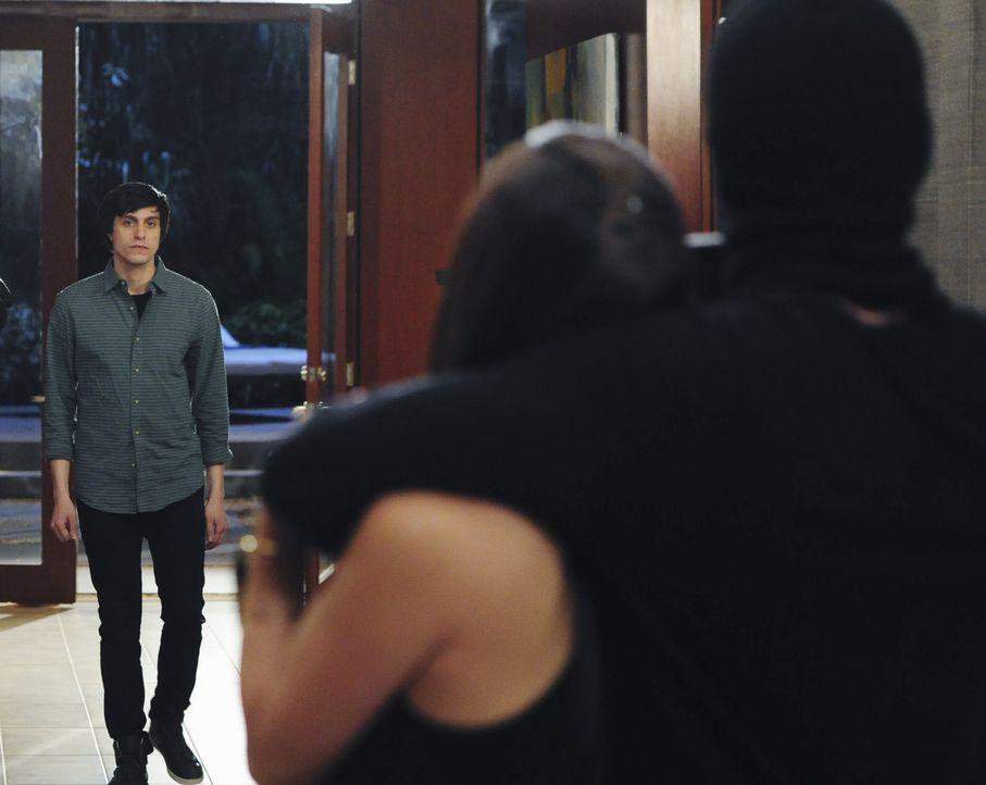 Ty (Gideon Glick) fasst einen Plan, der plötzlich aus dem Ruder zu laufen droht ... - Bildquelle: 2014 ABC Studios