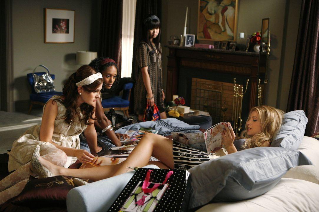 Die Streitigkeiten sind vergessen, doch Blair (Leighton Meester, l.) und Serena (Blake Lively, r.) steuern bereits auf das nächste Chaos zu ... - Bildquelle: Warner Brothers