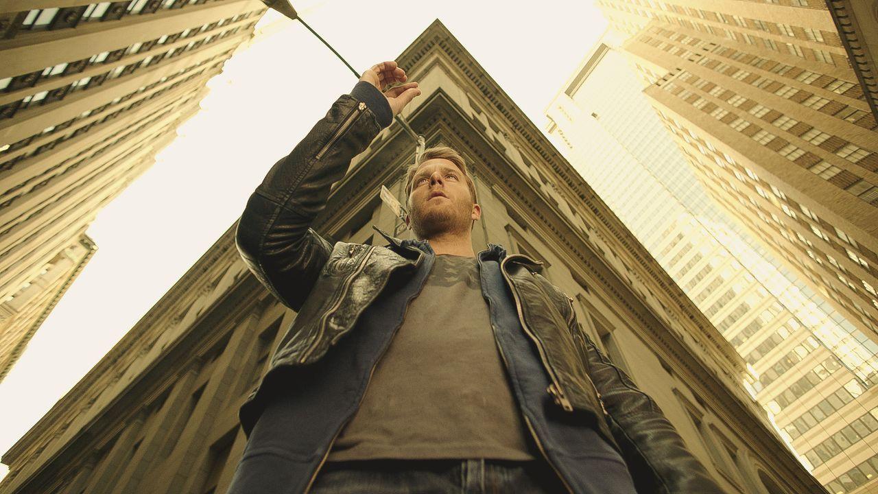 Durch eine ganz besondere Droge nimmt das Leben von Brian Finch (Jake McDorman) eine außerordentliche Wendung ... - Bildquelle: 2015 CBS Broadcasting, Inc. All Rights Reserved