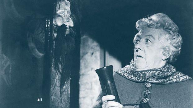 Hobbydetektivin Miss Marple (Margaret Rutherford) entdeckt bei ihrem neusten...