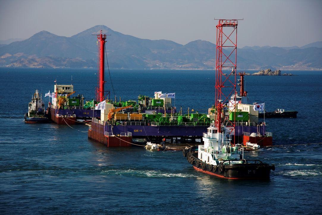 Koreas Ingenieure stehen vor der Mammutaufgabe, einen der größten Tunnel der Erde zu bauen. Es gibt viele Herausforderungen, denn schließlich wird m... - Bildquelle: 2011 - UMA.i PRODUCTION RIGHTS B.V. All rights reserved.