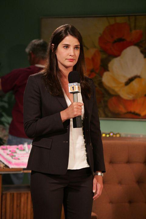 Robin (Cobie Smulders) geht mit Barney einen Deal ein ... - Bildquelle: 20th Century Fox International Television