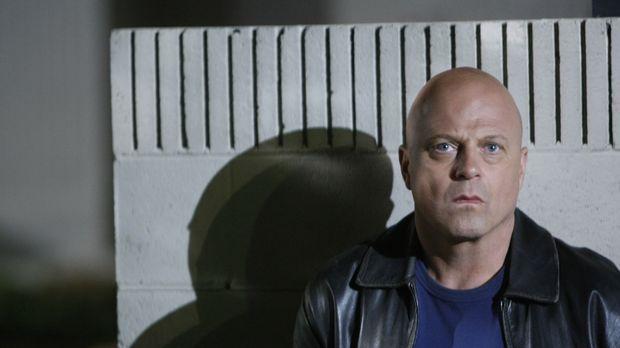 Mackey (Michael Chiklis) hegt tiefen Hass gegen Shane. Setzt er deshalbt soga...