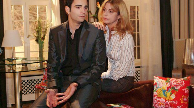 David (Mathis Künzler, l.) sucht bei seiner Mutter (Olivia Pascal, r.) Rat, w...