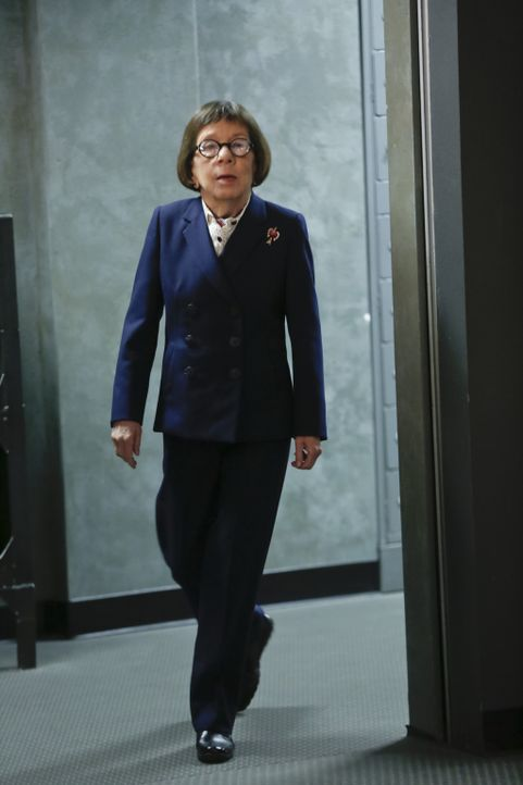 Hat einen neuen Auftrag für ihr Team: Hetty (Linda Hunt) ... - Bildquelle: Monty Brinton 2015 CBS Broadcasting, Inc. All Rights Reserved.