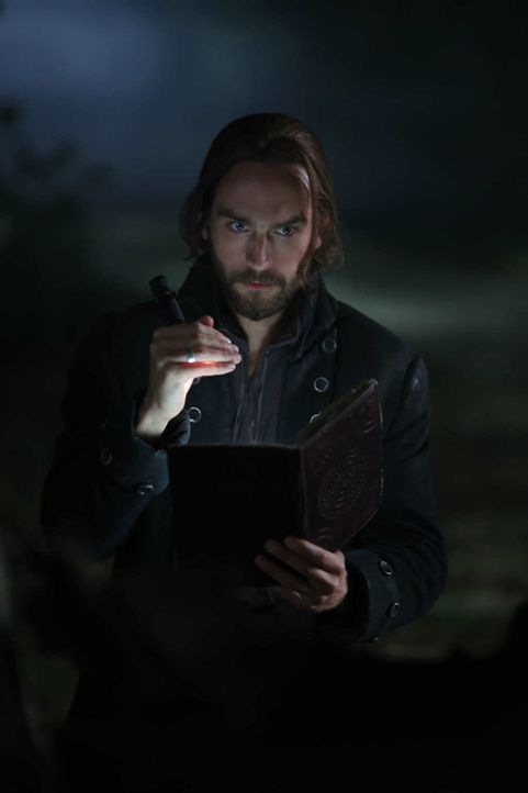 Für seine Frau würde Ichabod (Tom Mison) alles tun. Auch ein Monster erschaffen? - Bildquelle: 2014 Fox and its related entities. All rights reserved.
