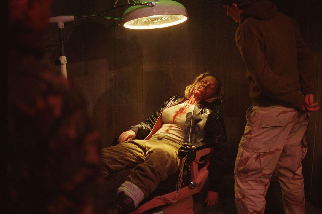 Auch Louise (Melanie Brown) fällt einem mysteriösen Unfall zum Opfer ... - Bildquelle: Buena Vista International