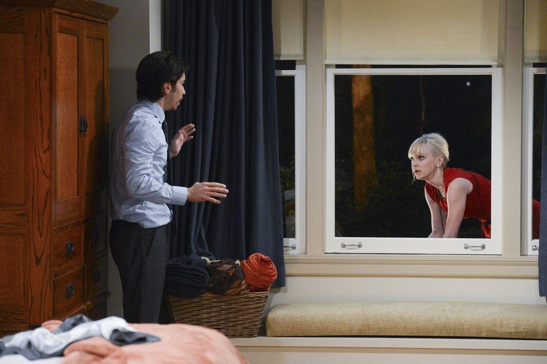 Komplizierte Verhältnisse: Der Vorsatz von Christy (Anna Faris, r.) und Adam (Justin Long, l.), sich mit dem Sex noch Zeit zu lassen und nichts zu ü... - Bildquelle: Warner Brothers Entertainment Inc.