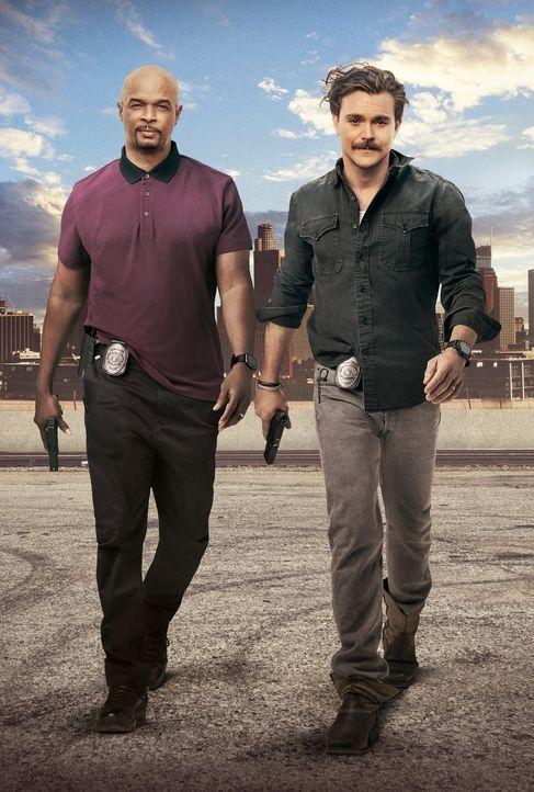 (2. Staffel) - Dem einen fehlt es an nichts, dafür hat der andere nichts zu verlieren: LAPD-Ermittler Murtaugh (Damon Wayans, l.) und Riggs (Clayne... - Bildquelle: Warner Brothers