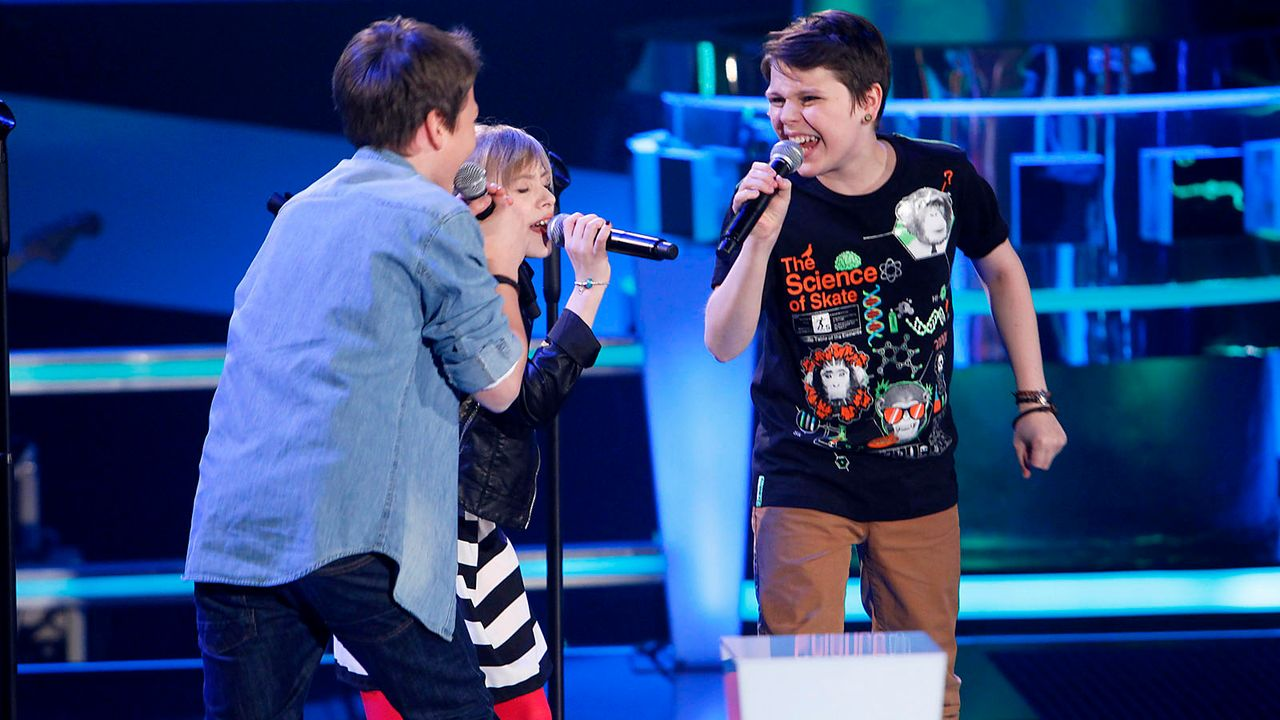 The-Voice-Kids-epi04-Finn-Thea-Sean-18-SAT1-Richard-Huebner - Bildquelle: SAT.1/Richard Hübner