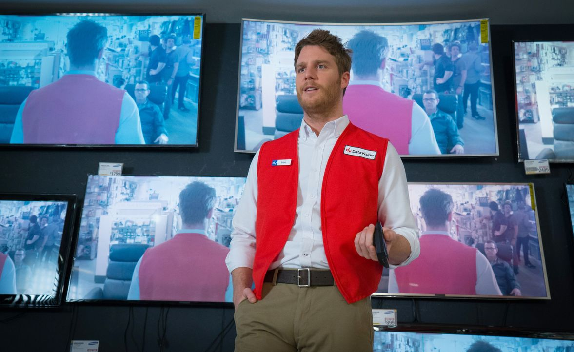Nach alldem, was geschehen ist, arbeitet Brian (Jake McDorman) als Verkäufer in einem Elektromarkt. Wobei er eigentlich weiter nach Piper suchen möc... - Bildquelle: David M. Russell 2016 CBS Broadcasting, Inc. All Rights Reserved