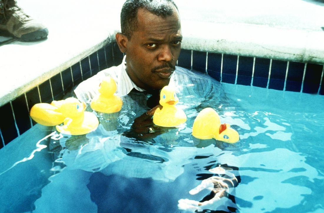 Eigentlich wollte der Polizist Wes Luger (Samuel L. Jackson) in zwei Tagen in Pension gehen, doch daraus wird leider nichts ... - Bildquelle: Warner Brothers