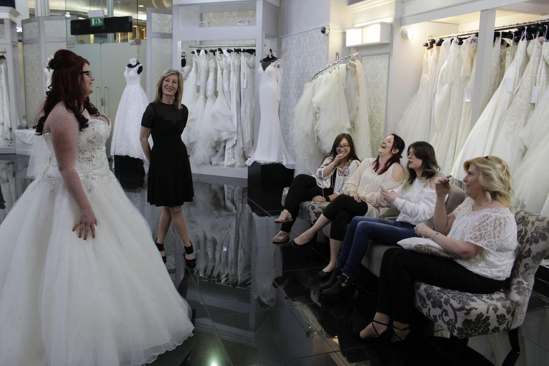 Frances ist 53 Jahre alt und sucht nach einem eleganten Kleid, das zu ihrem ... - Bildquelle: Discovery Communications
