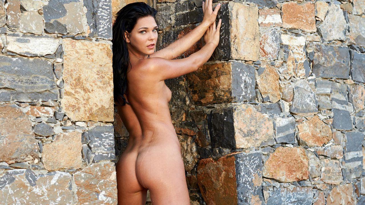 Estella-Keller-3 - Bildquelle: Sacha Eyeland für Playboy März 2016