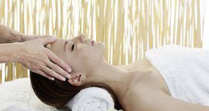 Eine Thai-Massage kann auch ganz sanft zugehen – wenn Sie sich für die nördli...