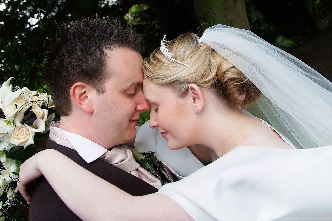 Kann James im Alleingang eine märchenhafte Hochzeit auf die Beine stellen? Mit dem nötigen Bargeld und vier Wochen Zeit, keine unmögliche Aufgabe. D... - Bildquelle: Renegade Pictures Ltd