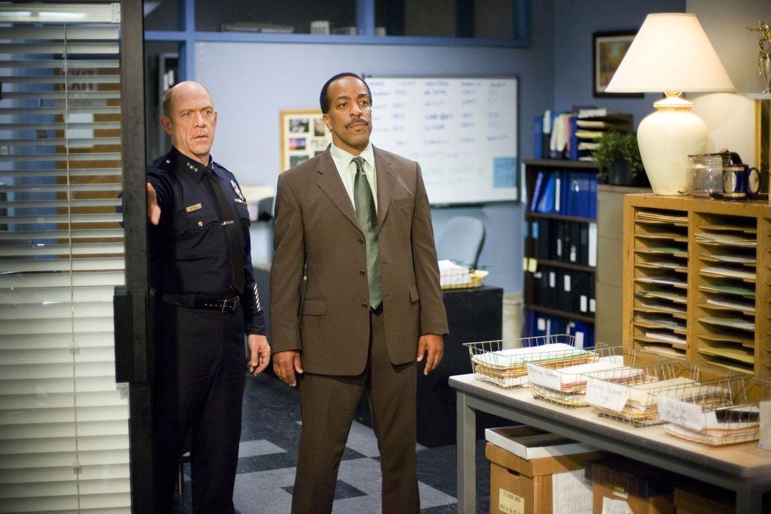 Der Mord an der Frau eines Kronzeugen und eines FBI Agenten sorgt für Aufruhr und für ein Kompetenzgerangel zwischen FBI und der Priority Homicide.... - Bildquelle: Warner Brothers