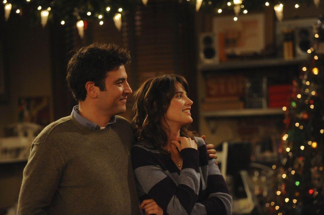 Als sie die Nachricht erreicht, dass Lily und Marshall ein Baby bekommen, beginnen Ted (Josh Radnor, l.) und Robin (Cobie Smulders, r.) ihr Leben zu... - Bildquelle: 20th Century Fox International Television