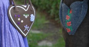 Trachtenmode_2015_08_27_Oktoberfest Accessoires_Bild1_fotolia_AndiPu