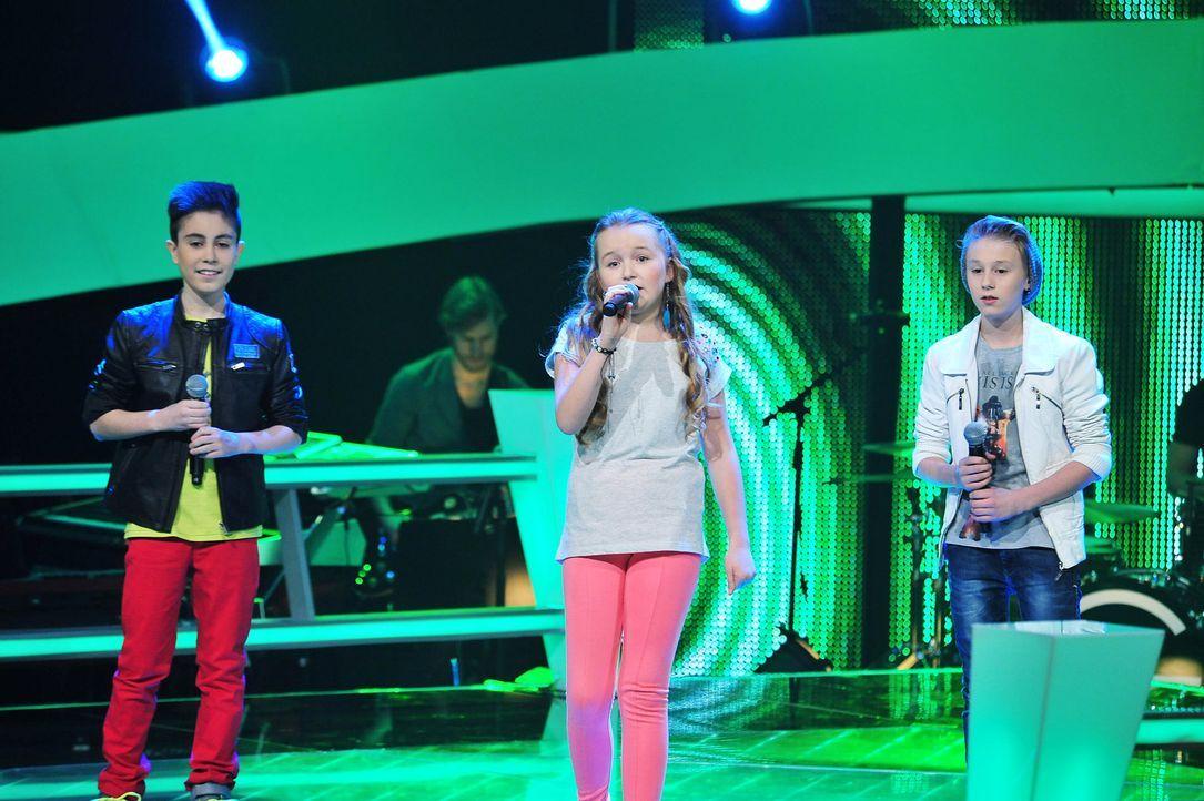 The-Voice-Kids-Stf02-Epi07-Vanessa-Joel-Leif-1-SAT1-Andre-Kowalski - Bildquelle: SAT.1/Andre Kowalski