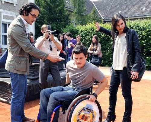 Luzi wird wegen ihrer Spende von der Presse als wohltätiger Superstar gefeiert, während Timo enttäuscht von ihrem Verhalten ist. - Bildquelle: Christoph Assmann - Sat1