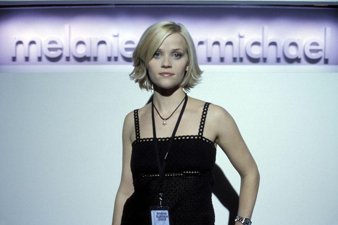Die junge Designerin Melanie (Reese Witherspoon) genießt das Leben in New York in vollen Zügen. Als jedoch Andrew, der Sohn der Bürgermeisterin,... - Bildquelle: Touchstone Pictures