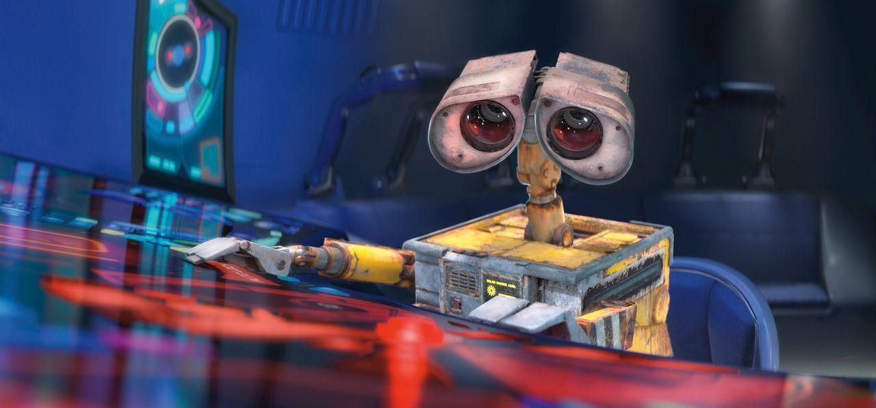 Als WALL-E glaubt, EVE werde deaktiviert, unternimmt er einen Rettungsversuch, der in einem Desaster endet ... - Bildquelle: Touchstone Pictures