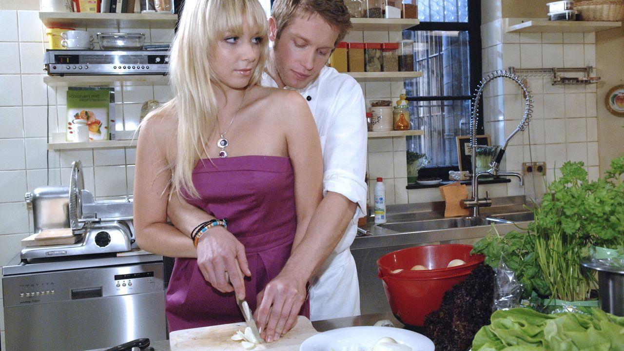 Anna-und-die-Liebe-Folge-310-04-Sat1-Claudius-Pflug - Bildquelle: SAT.1/Claudius Pflug