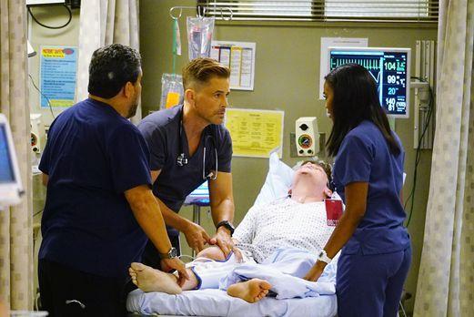 Nach einem brutalen Busunfall müssen Sallander (Luis Guzmán, l.), Willis (Rob...