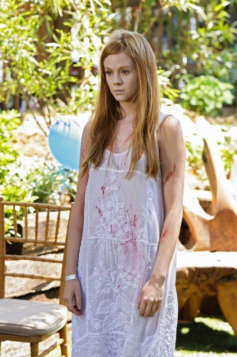 Jedes Jahr an Aidens Geburtstag taucht der Geist der jungen Amber (Zoe Boyle) auf und versucht ihn zu überreden, mit ihr zu kommen ... - Bildquelle: ABC Studios