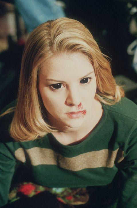 Aus Rachsucht zwingt Xander seine Mitschülerin Amy (Elizabeth Anne Allen), die über Zauberkräfte verfügt, Cordelia mit einem Liebeszauber zu belegen... - Bildquelle: TM +   2000 Twentieth Century Fox Film Corporation. All Rights Reserved.