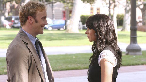 Melinda Gordon (Jennifer Love Hewitt, r.) lernt den berühmten Professor Rick...