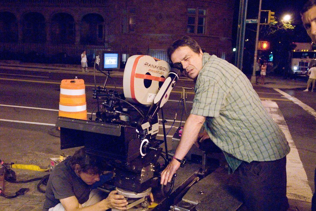 An der Kamera: Regisseur (Neil Jordan) ... - Bildquelle: Warner Bros.