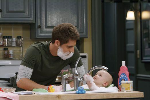 Während sich Ben (Jean-Luc Bilodeau, l.) um seine Tochter Emma (Mila und Zoey...