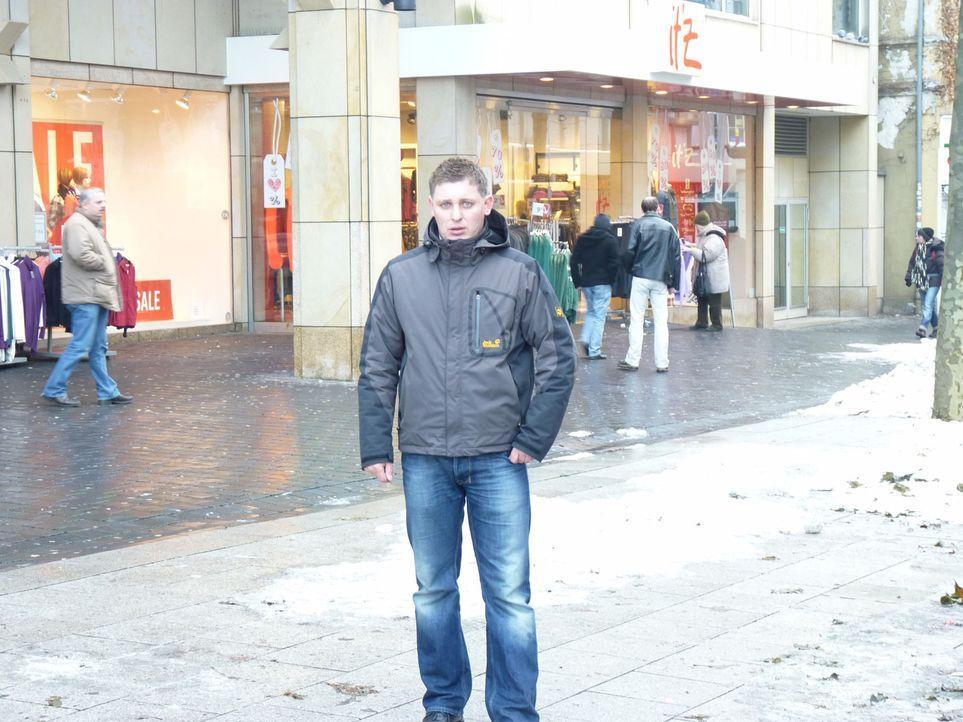 Citydetektiv Eugen hat in der Bielefelder Fußgängerzone vorwiegend Laden- und Taschendiebe im Visier ... - Bildquelle: kabel eins