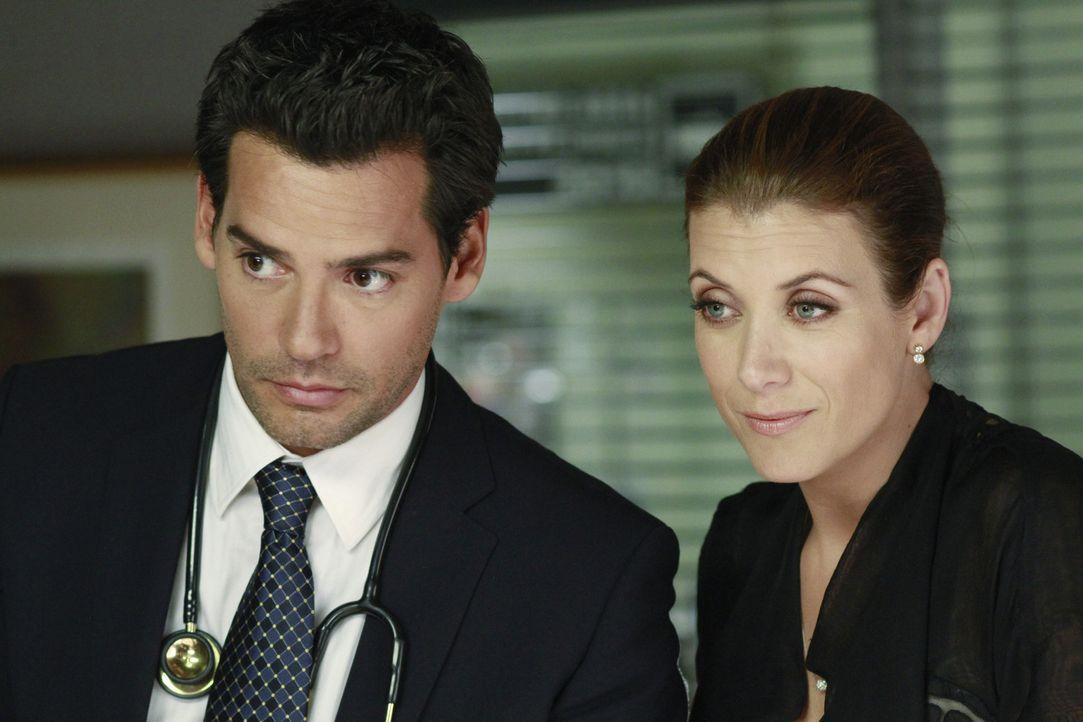 Sam ist unsicher, was Addison (Kate Walsh, r.) und Dr. Rodriguez (Cristián de la Fuente, l.) angeht. Um ihm zu zeigen, dass sie es ernst mit ihm me... - Bildquelle: ABC Studios