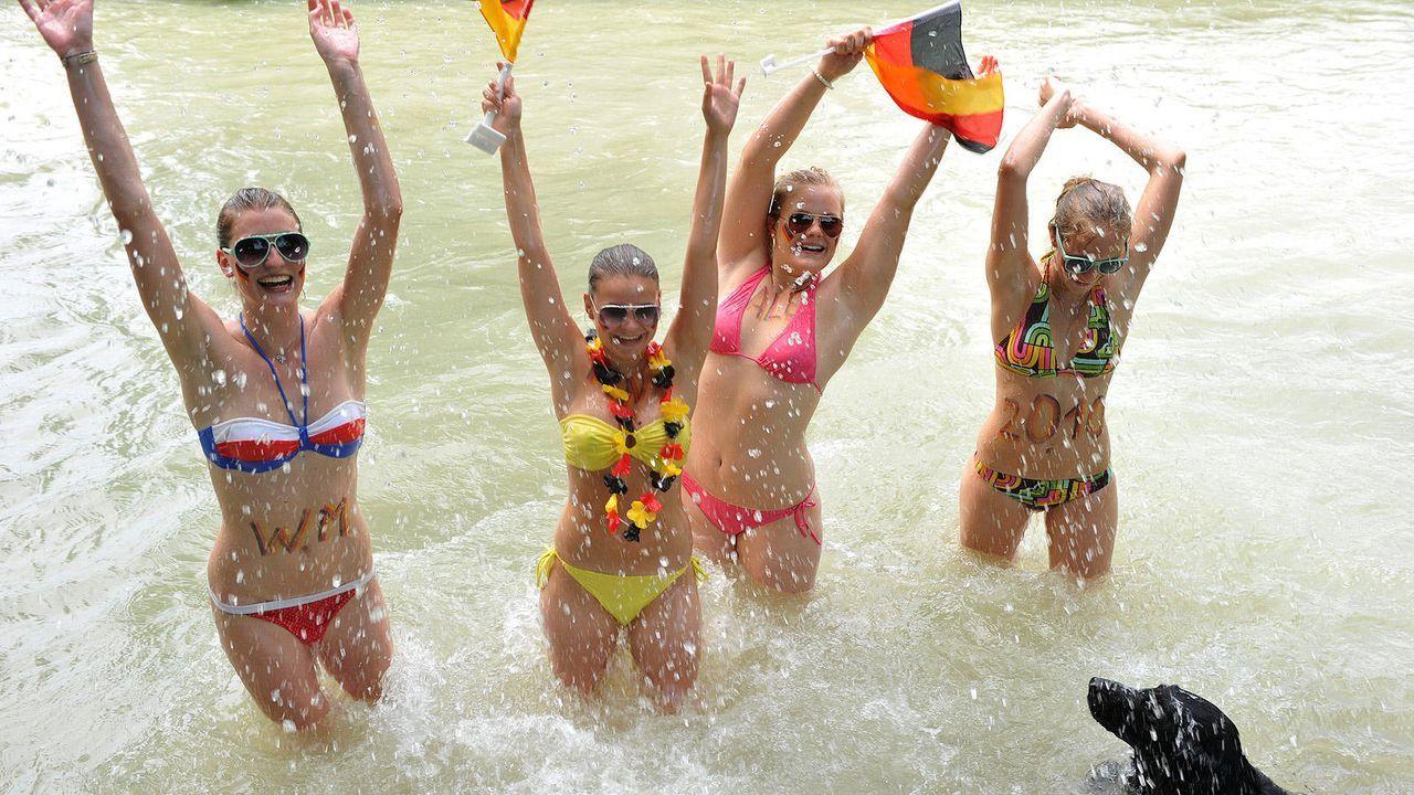 Bikinischönheiten und Badenixen - Bildquelle: Picture Alliance/dpa