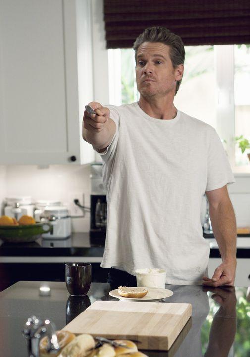 Weiß sich die Zeit in Jules' Haus zu vertreiben: Bobby (Brian Van Holt) ... - Bildquelle: 2010 ABC INC.
