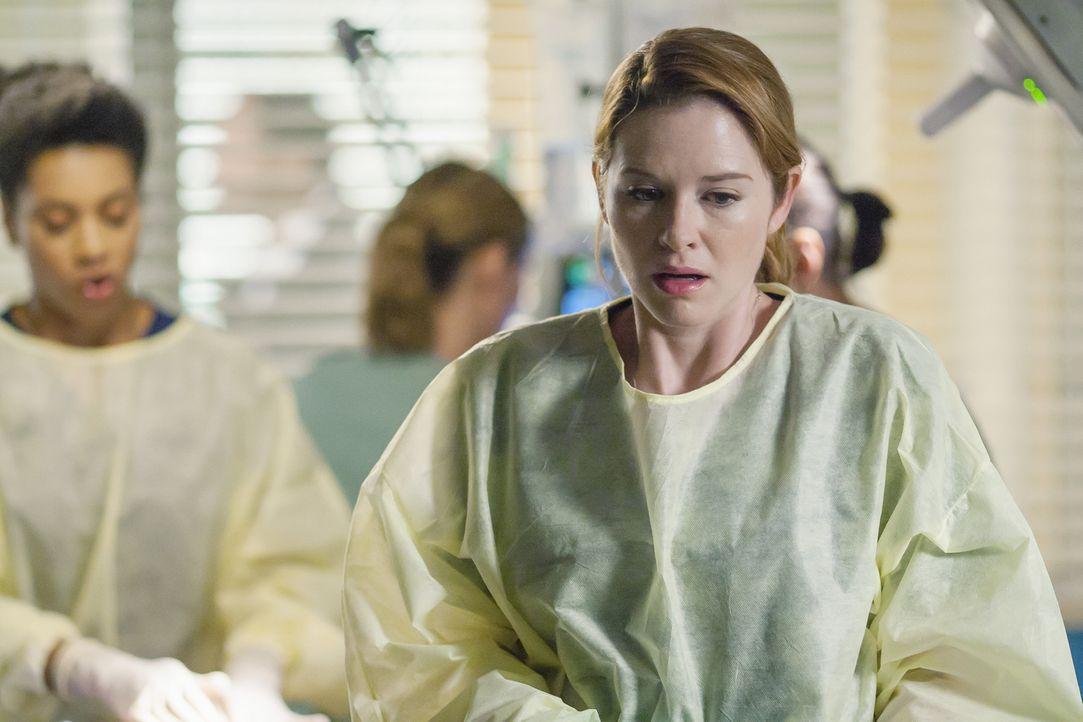 Die schreckliche Diagnose ihres ungeborenen Babys lässt April (Sarah Drew) allmählich zusammenbrechen ... - Bildquelle: ABC Studios