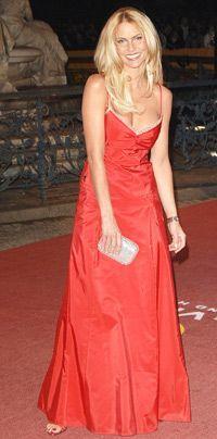 Im Sommer 2010 bekam die Hübsche Schauspielerin einen kleinen Sohn. - Bildquelle: Z Tomaszewski - WENN