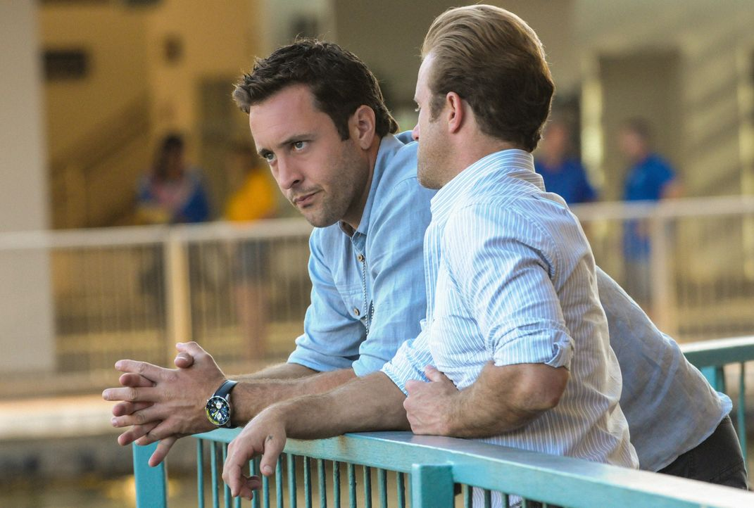Ermitteln in einem neuen Fall: Steve (Alex O'Loughlin, l.) und Danny (Scott Caan, r.) ... - Bildquelle: 2013 CBS Broadcasting, Inc. All Rights Reserved.