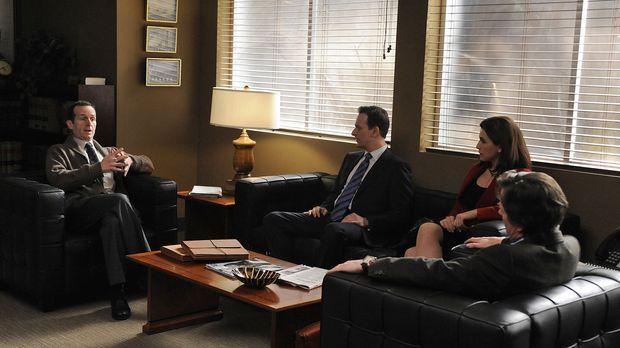 Will Gardner (Josh Charles, 2.v.l.), Alicia Florrick (Julianna Margulies, 2.v...