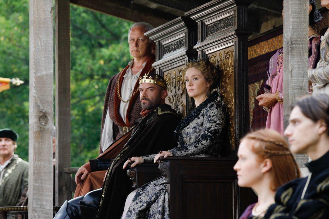 König Henry II. und Königin Katherine beim Wettkampf - Bildquelle: Marni Grossman 2013 The CW Network, LLC. All rights reserved.