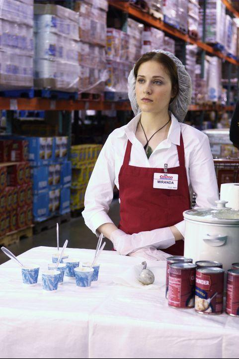 Als klar wird, dass der vermeintliche Schatz unter dem Supermarkt vergraben ist, lässt sich Miranda (Evan Rachel Wood) dazu überreden, dort einen Jo... - Bildquelle: Nu Image
