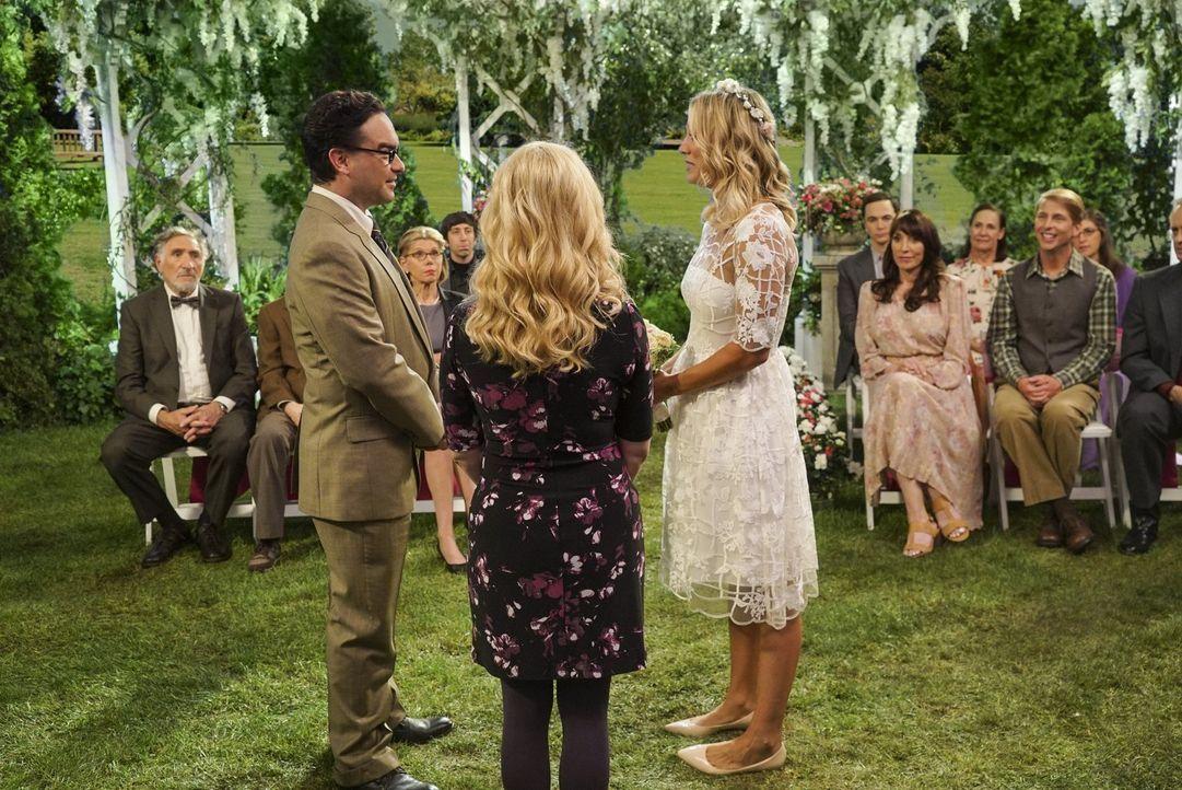 Ist das die letzte Hochzeit von Penny (Kaley Cuoco, r.) und Leonard (Johnny Galecki, l.) oder werden doch noch weitere folgen? - Bildquelle: 2016 Warner Brothers