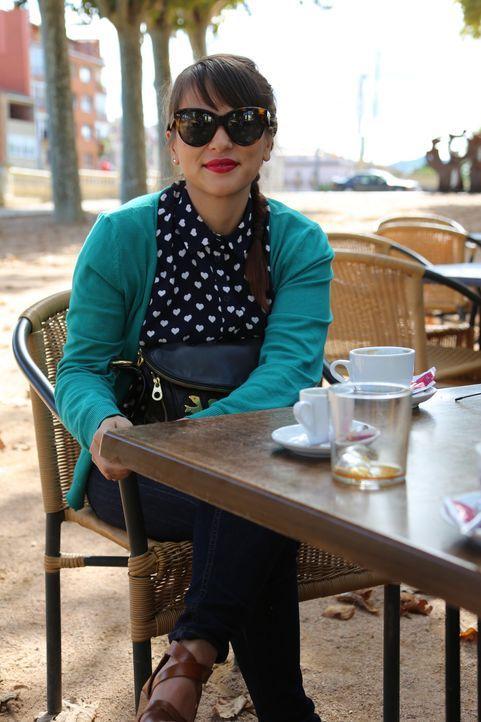 Inspiration findet Rachel an der Costa Brava überall, selbst in einem Café ... - Bildquelle: Richard Hill BBC 2014