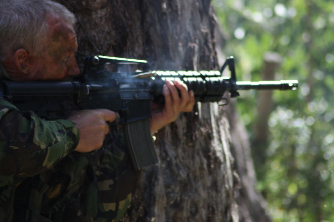 Die britische Spezialeinheit SAS führte im Jahr 2000 eine der waghalsigsten Einsätze ihrer Geschichte durch. Im Dschungel von Sierra Leone bewahrten... - Bildquelle: James Leigh 2008 DANGEROUS FILMS