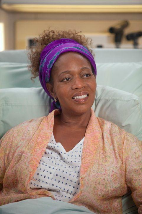 Soll am Gehirn operiert werden - doch Justine (Alfre Woodard) will den Eingriff jedoch erst vornehmen lassen, wenn sie ihr neuestes Buch fertig gesc... - Bildquelle: ABC Studios